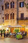 Italy, Italia. Tuscany, Toscana. Siena district, Val d'Elsa, San Gimignano.