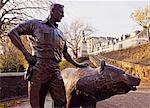 UK, Scotland, Lothian, Edinburgh, Wojtek the Soldier Bear Memorial in the Princes Street Gardens.