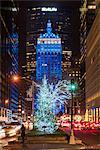 Christmas tree lighting with Helmsley Building behind, Park Avenue, Manhattan, New York, USA