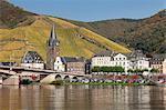 Bernkastel-Kues in autumn, Moselle Valley, Rhineland-Palatinate, Germany, Europe