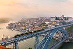 Ponte Dom Luís I spanning Douro River, Porto, Portugal
