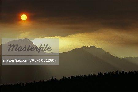 Coucher de soleil sur les montagnes Rocheuses, Canada