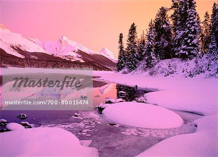 Queen Elizabeth Range Maligne Lake, Jasper National Park, Alberta, Canada