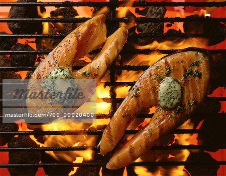 Darnes de saumon sur le Barbecue