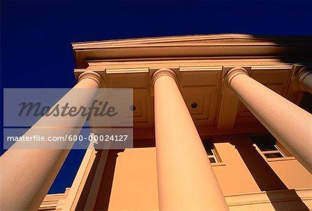 Colonnes doriques et fronton Cour suprême Tallahassee, Florida, USA