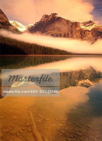 Lac Emerald à Sunrise Colombie-Britannique, Canada