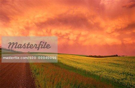 Tempête en passant près de Beiseker, Alberta, Canada