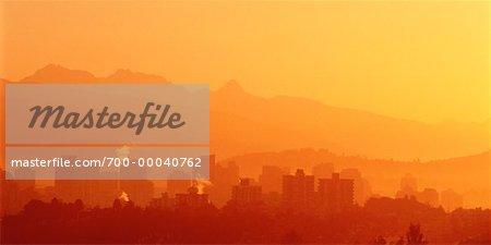 Lever du soleil sur la ville de Vancouver, en Colombie-Britannique Canada