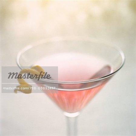 Martini avec zeste de citron