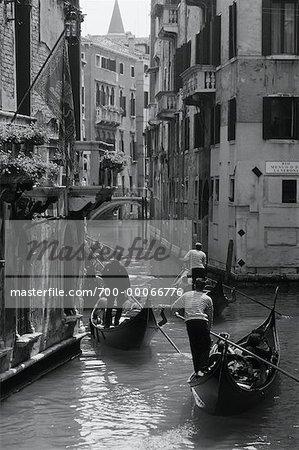 Gondoles à Venise Canal