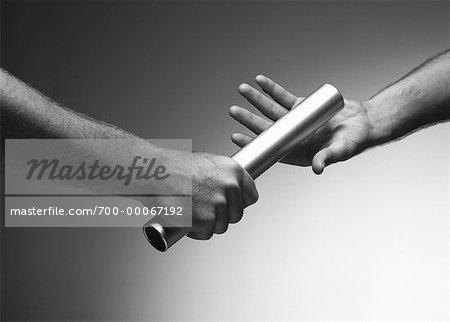 En passant le bâton des mains