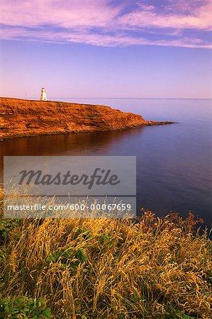 Phare de Cape Tryon et du golfe du Saint-Laurent au lever du soleil, Cap Tryon, Î.-P.-É., Canada