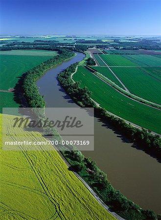 Aerial View de cultures de plein champ et Assiniboine River, Portage la Prairie, Manitoba, Canada