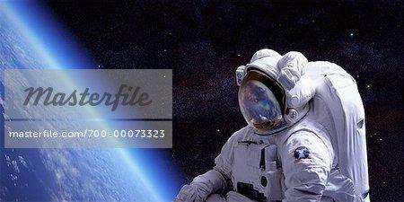 Astronaute dans l'espace sur terre