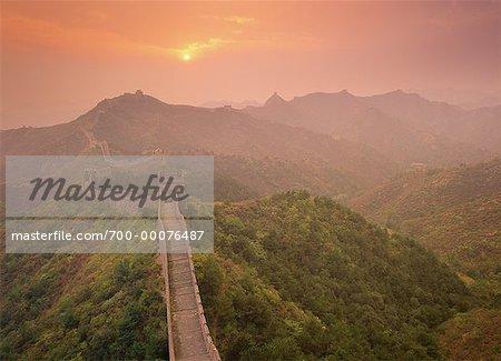 Grande muraille à Jinshanling, coucher de soleil en Chine