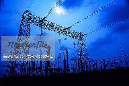 Sous-station électrique à puissance Delmarva nuit et lumière du Delaware, USA
