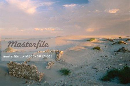 Ruines de maison en pierre dans les Dunes, Boulderbaai, côte ouest NAT. PK., Northern Cape, en Afrique du Sud