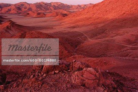 Coucher de soleil sur montagne désert, du Richtersveld, Namaqualand, Afrique du Sud