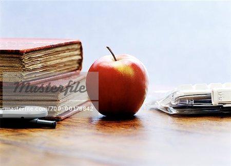Téléphone portable Apple, livres,