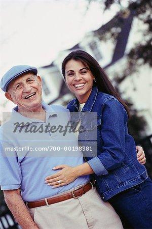Portrait du père et fille en plein air