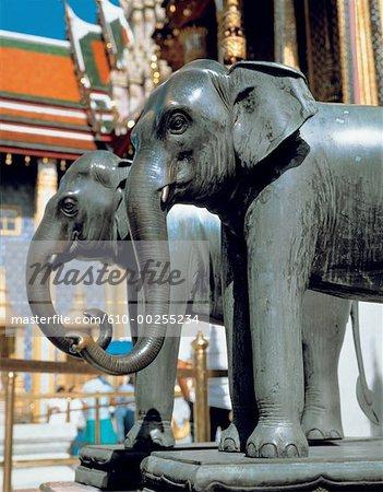 Éléphants bronze de Thaïlande, Bangkok, en face du Palais Royal