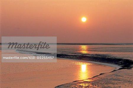 France, Normandie, coucher du soleil, près du Mont Saint Michel