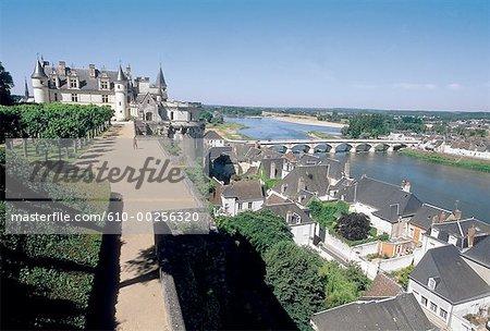 France, vallée de la Loire, Amboise, le château et la rivière de Loire