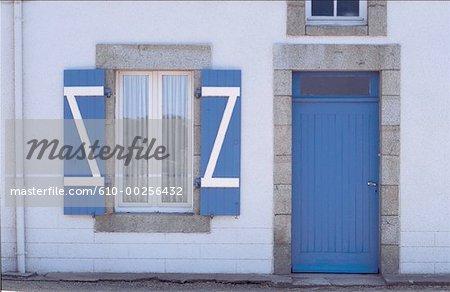 France, Bretagne, devant de maison traditionnelle