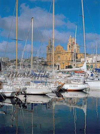 Malte, Msida harbour et l'église St-Joseph