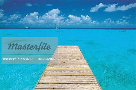 Polynésie, archipel des Tuamotu, Rangiroa, pier