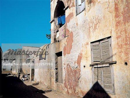 Au Sénégal, l'île de Gorée, petite rue
