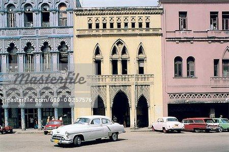 Cuba, Havana, old houses, old american cars