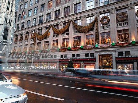 Saks Fifth Avenue à Noël, New York, New York, USA