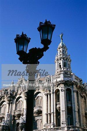 Bâtiment et lampadaire Havana Cuba