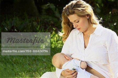 Mutter Breastfeeding