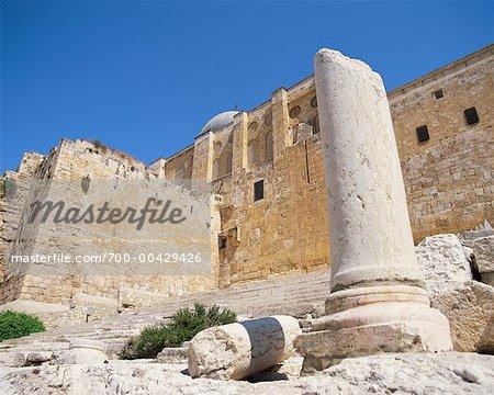 Pilier et escaliers au Temple monter à Jérusalem, Israël
