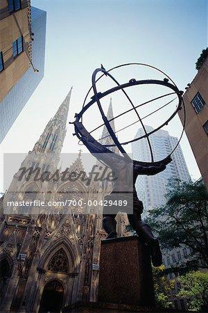 Atlas Statue, Rockefeller Center, New York, New York, USA