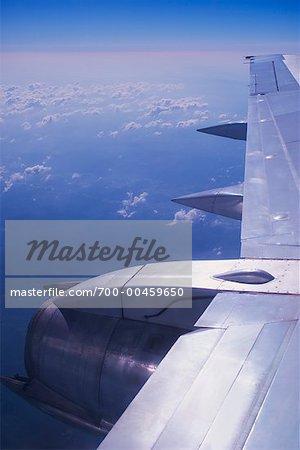 Airplane Wing and Horizon