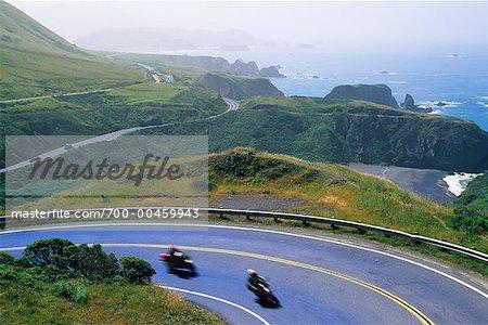 Motos rouler le long de la Pacific Coast Highway, Californie, Etats-Unis