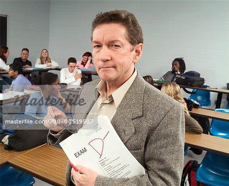 Portrait de l'enseignant en salle de classe
