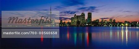 Toits de la ville au crépuscule, Toronto, Ontario, Canada