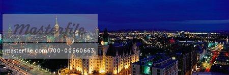 Toits de la ville pendant la nuit, Ottawa, Ontario, Canada