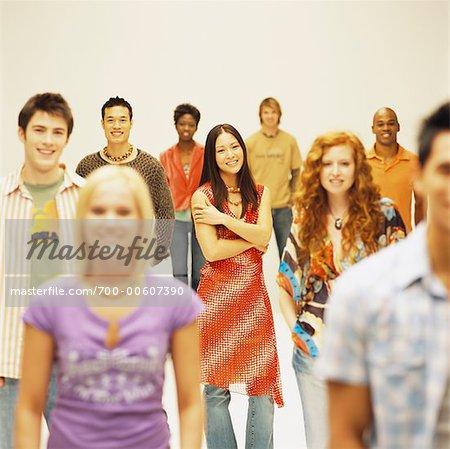 Portrait de groupe des jeunes