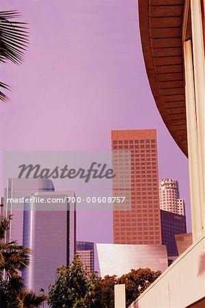 Wolkenkratzer und im Dorothy Chandler Pavilion in Los Angeles, Kalifornien, USA