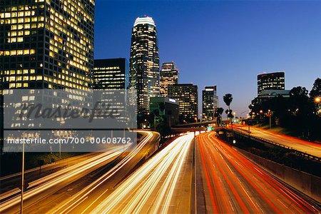 Autoroute et Skyline, Los Angeles, Californie, USA