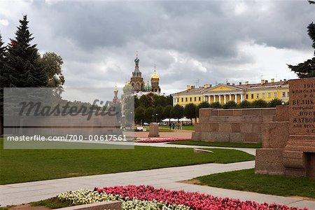 Vue du Sauveur sur le sang répandu du champ de Mars, St Petersburg, Russie
