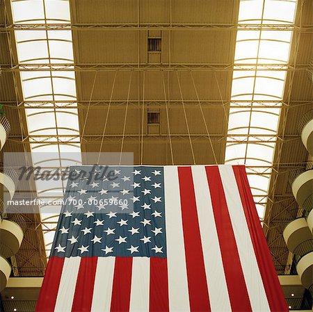 Drapeau américain dans le centre commercial, Houston, Texas
