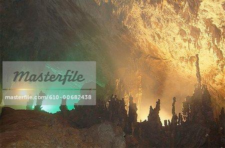 Slovénie, Skocjan, grottes, éclairés de stalagmites et stalactites