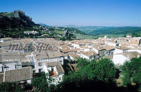 Espagne, Andalousie, Grazalema, toits de la ville