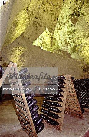 France, cave de champagne fabrication région Champagne, Epernay, sculpté dans la carrière de craie historique